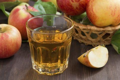 Hasil gambar untuk larutan cuka apel dalam gelas